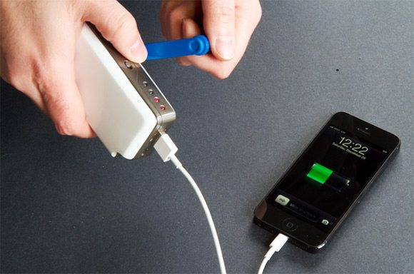 SOSCharger-hand-powered-crank-smartphone-charger