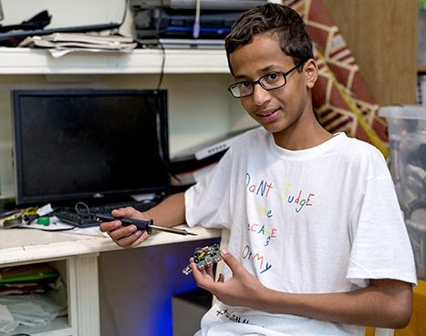 Supporters of Young Inventor Ahmed Mohamed Launch Crowdfunding Campaign Following Infamous Arrest