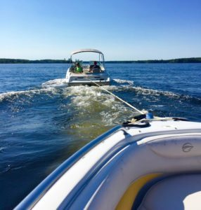canada-boat-tow-dead-in-the-water-lake