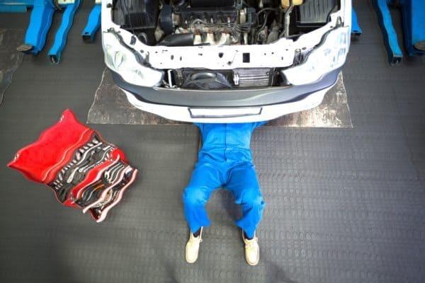 fix-repair-damaged-mechanic-blurry