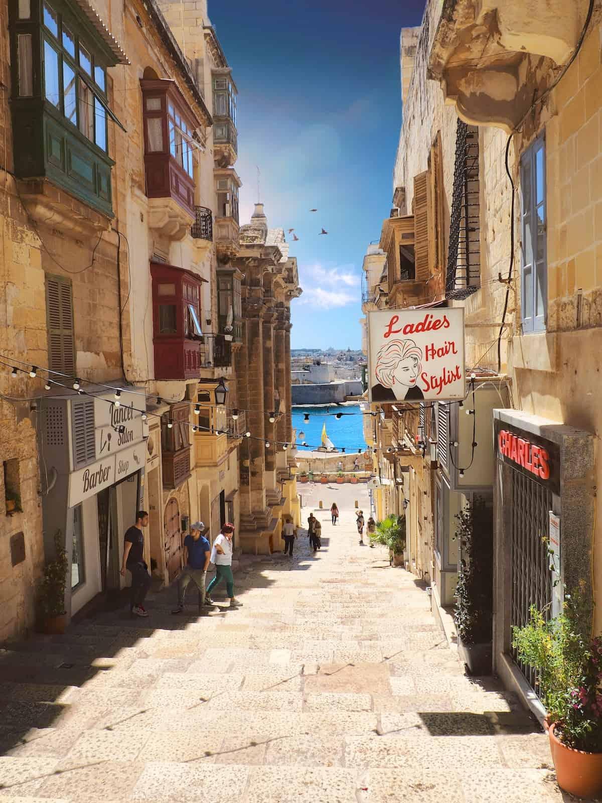 Microsoft Innovation Center Partners with æternity in Malta