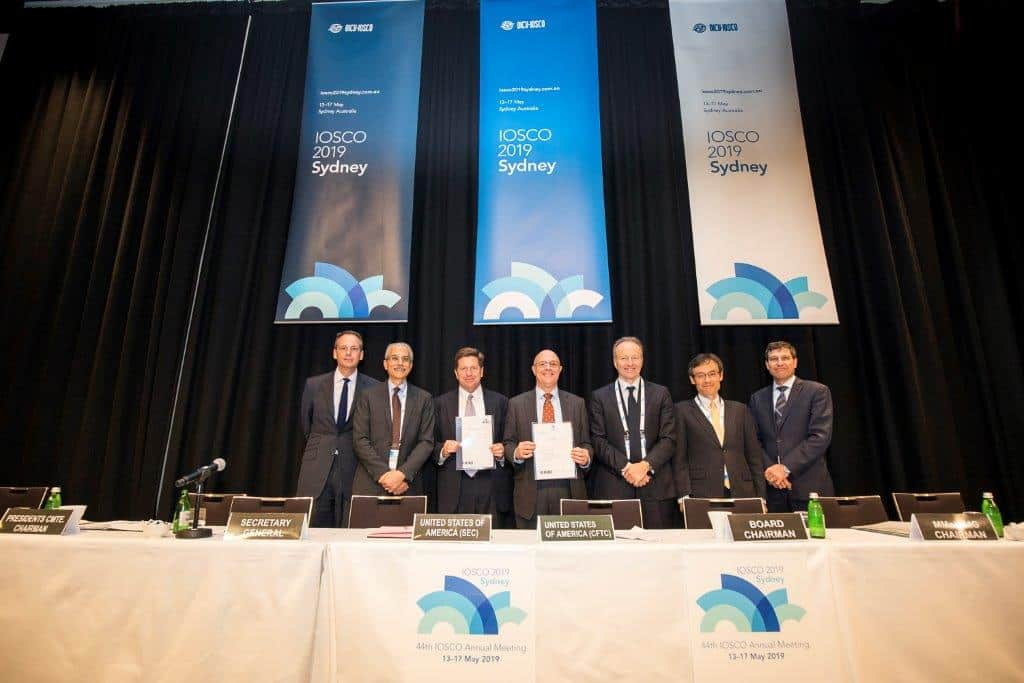 The SEC and CFTC Join in Signing IOSCO Multilateral Memorandum of Understanding on Cross Border Enforcement